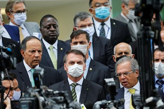 Coronavírus: Bolsonaro inclui construção civil e indústria em lista de atividades essenciais na pandemia