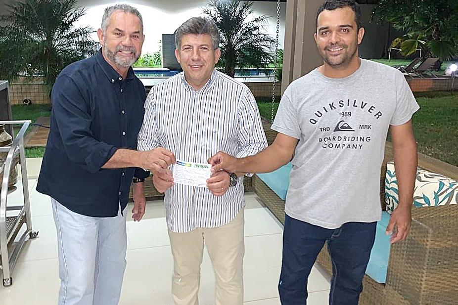 Moacyr Almeida se filia ao Patriotas e presidente do partido o lança como pré-candidato a prefeito de Sidrolândia