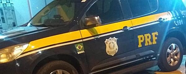 Dupla é presa ao ser flagrada com carro roubado na BR-060 em Sidrolândia