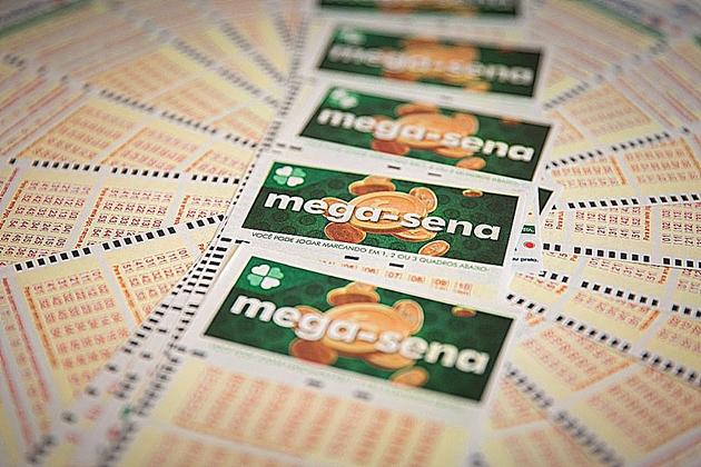 Mega-Sena pode pagar R$ 12 milhões nesta quinta