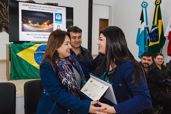 Vice-governadora participa de sorteio do projeto Lote Urbanizado