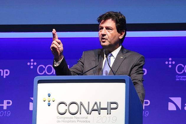 Mandetta elogia MP que cria programa Médicos pelo Brasil
