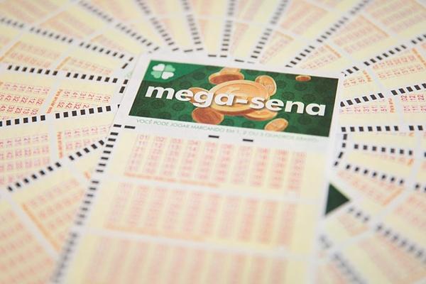Mega-Sena pode pagar R$ 6,5 milhões nesta terça