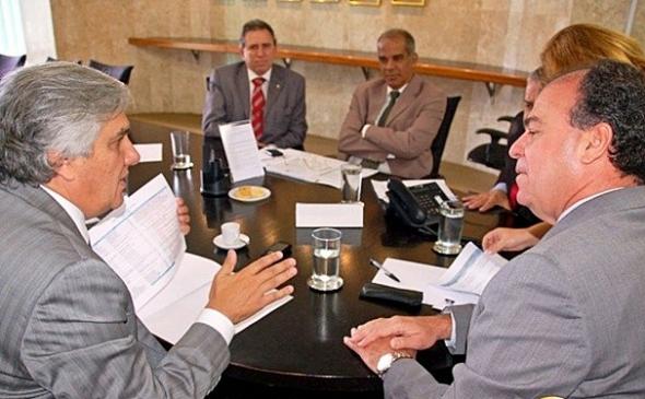 Delcídio e Girotto pedem mais R$ 35 milhões para ministro da Integração