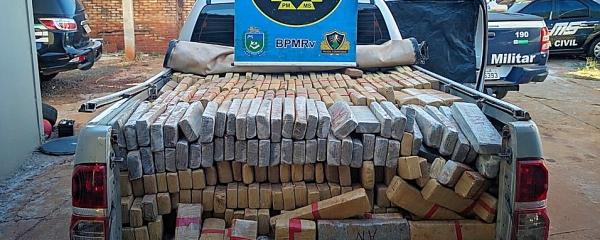 Traficante 'fura' bloqueio e abandona Hillux com 1,5 tonelada de maconha em Sidrolândia