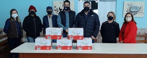 Sindicato Rural doa 60 litros de leite para a APAE de Sidrolândia