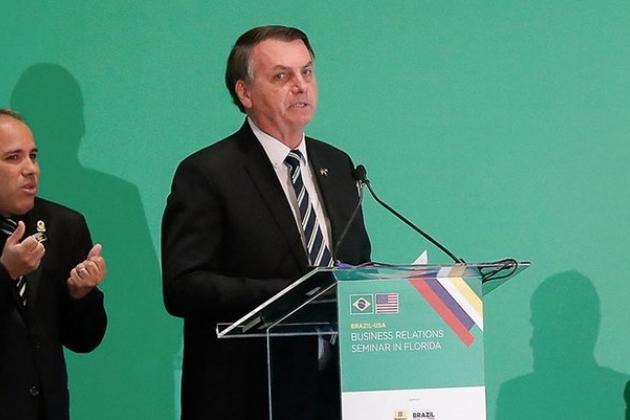Bolsonaro diz que pequena crise do coronavírus é mais fantasia e não isso tudo que mídia propaga