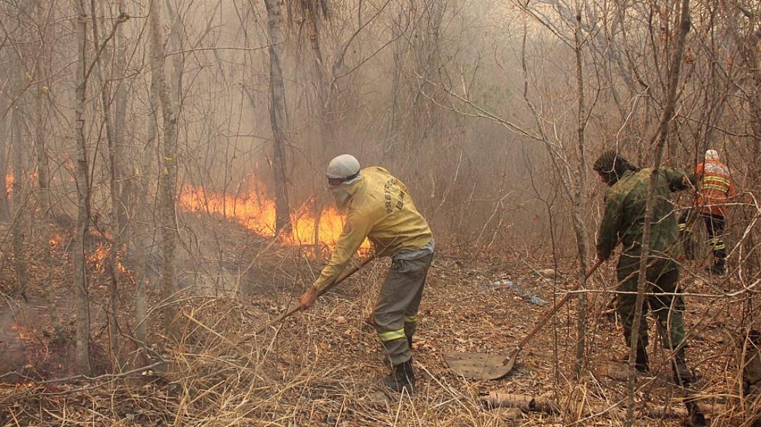 Bombeiros reforçam combate aos novos focos de incêndios no Pantanal