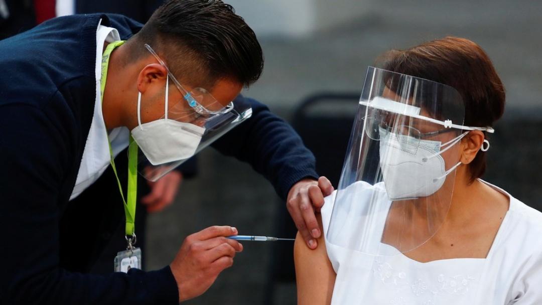 México é 1º país latino-americano a vacinar; Chile e Argentina recebem doses