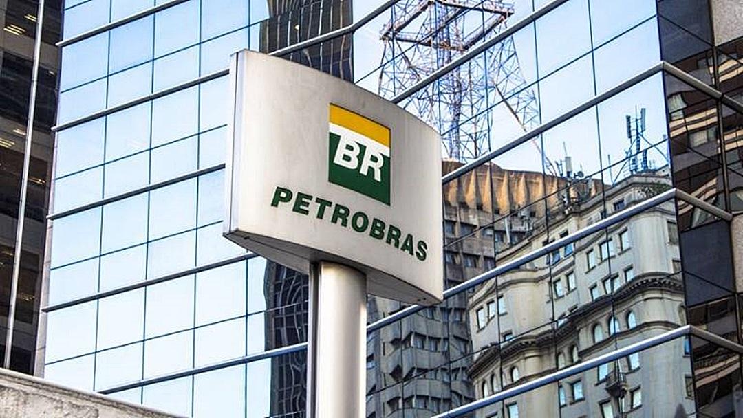 Ações da Petrobras despencam no pré-mercado de Nova York