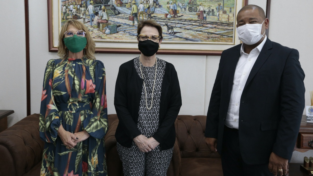 Em agenda com Nelsinho, prefeita pede R$ 4,5 milhōes para manter estradas e apoio a assentados