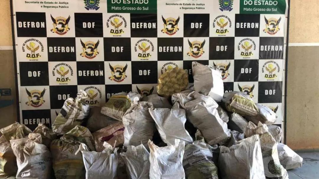 Polícia encontra 1,2 mil quilos de maconha em utilitário abordado na MS-379
