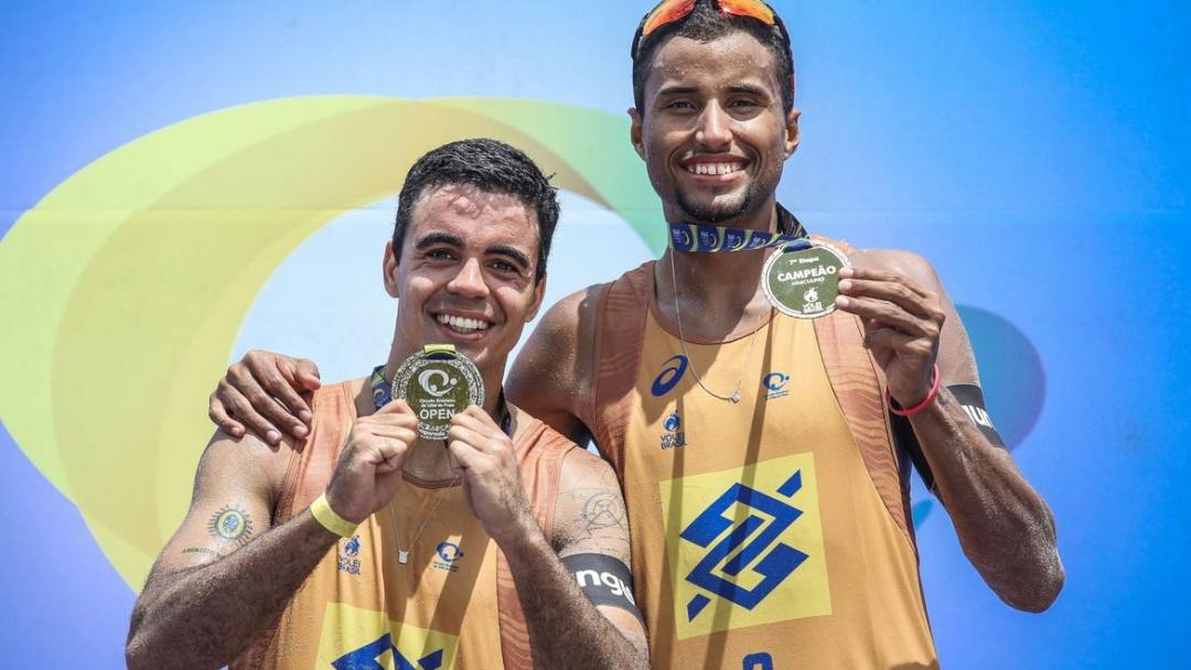 Guto e Arthur Mariano vencem etapa do Brasileiro