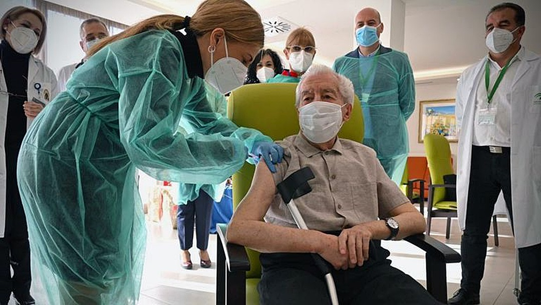 Vacinação contra a Covid-19 em Sidrolândia chega aos idosos de 74 a 79 anos