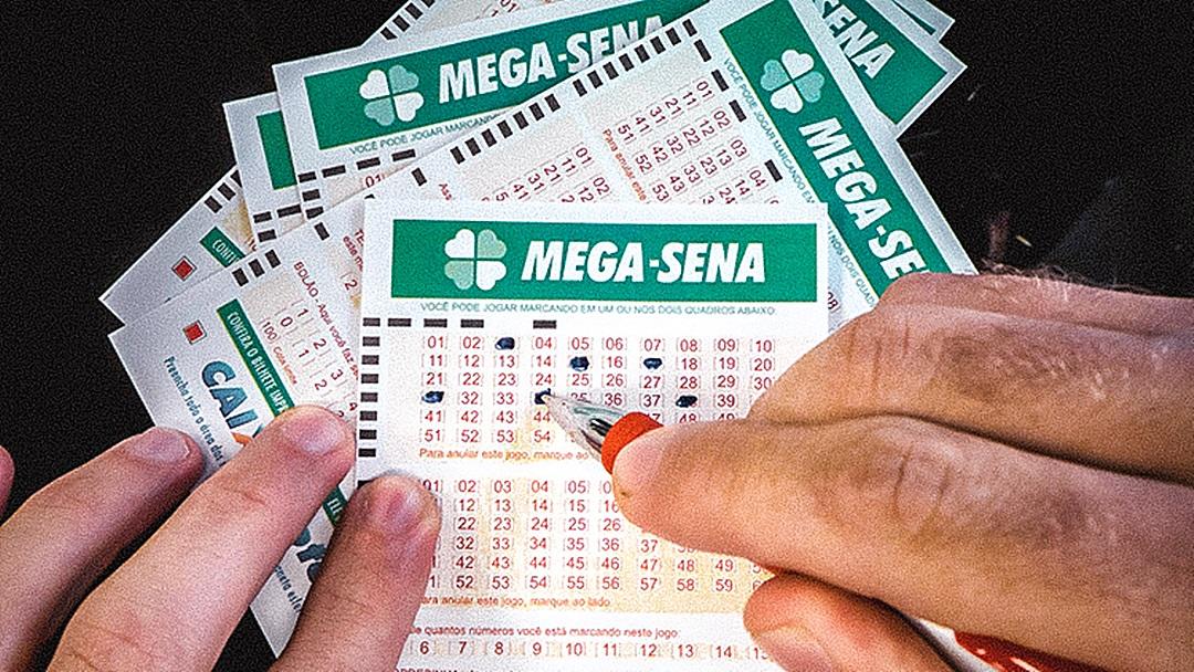 Ninguém acerta a Mega-Sena e prêmio acumula em R$ 32 mi