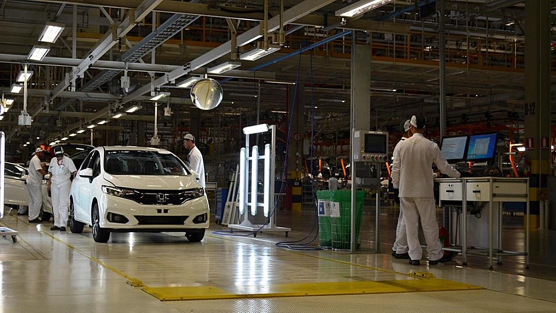 Honda é oitava montadora a suspender produção de carros no Brasil