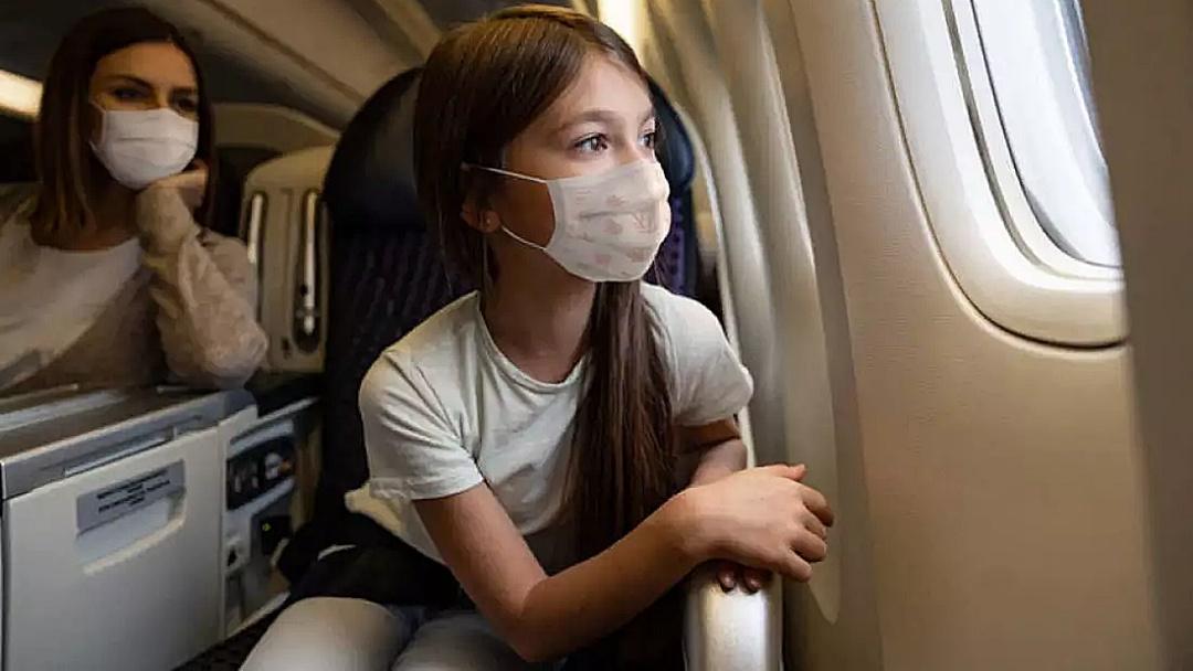 Se vai viajar de avião, entenda as novas regras do uso de máscara