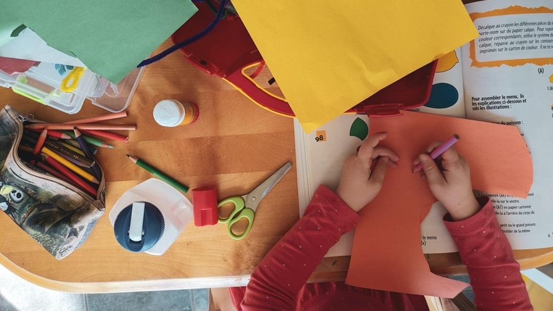 Sem aulas, crianças da pré-escola têm déficit no desenvolvimento