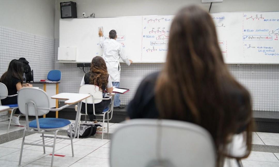 MEC lança programa para combater evasão escolar no ensino fundamental