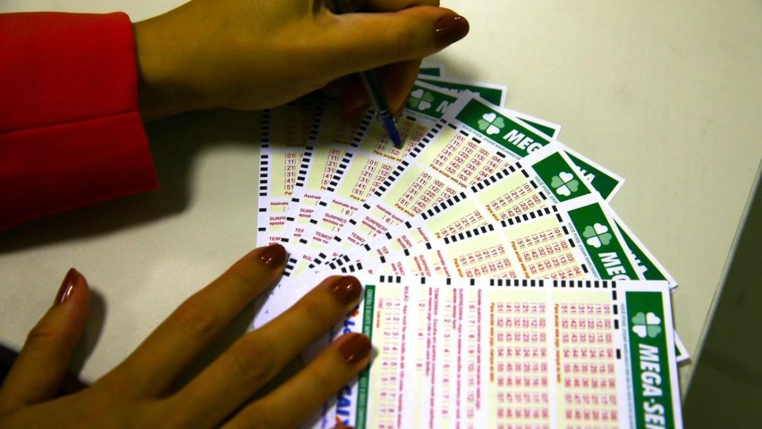 Mega-Sena pode pagar R$ 6 milhões neste sábado