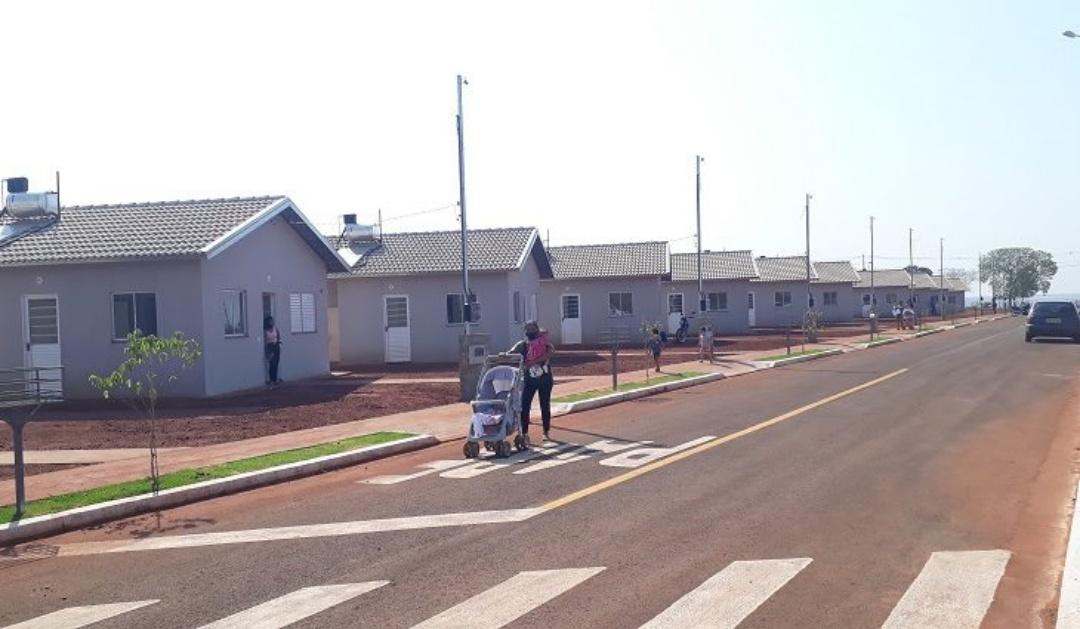 Renda para adesão a programas habitacionais da Agehab varia de R$ 1,3 mil a R$ 4,7 mil
