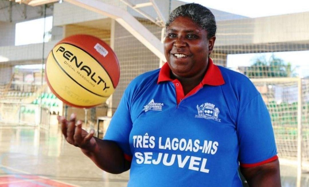 Ruth, campeã mundial de basquete, morre com Covid