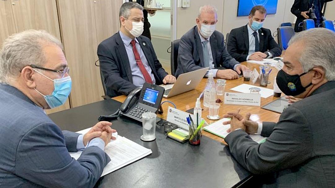 Azambuja cobra em Brasília reforço de vacinas para 13 municípios de fronteira