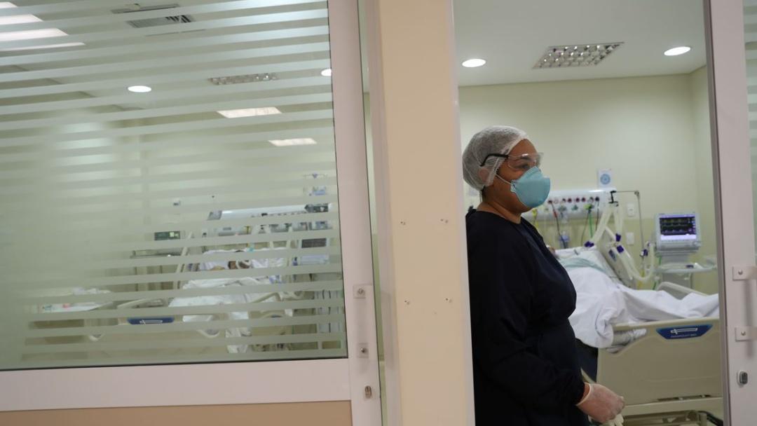 Brasil contabiliza 42.980 novos casos de covid-19