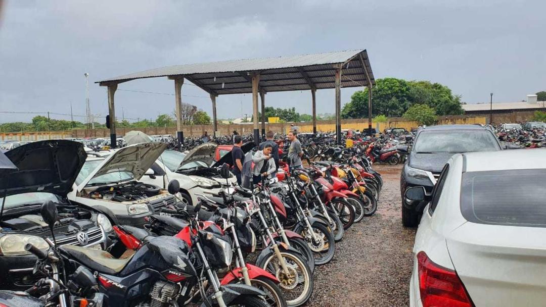 Detran notifica 284 donos de veículos ao pagamento de dívida, sob pena de leilão