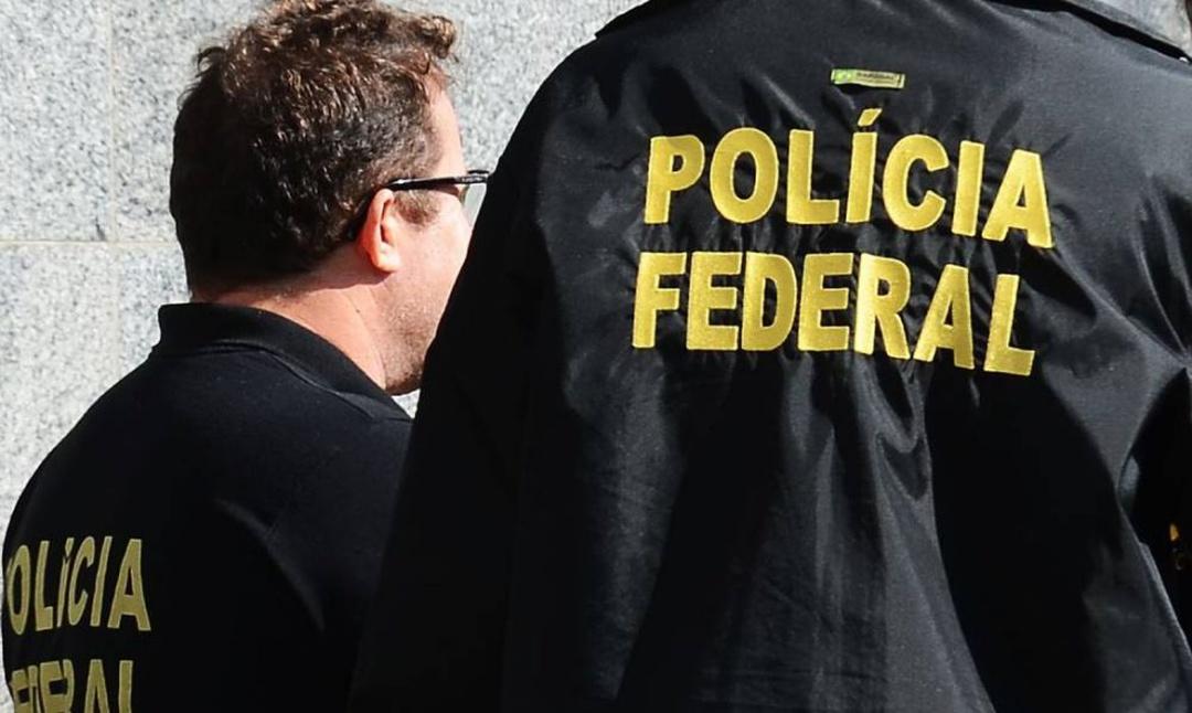 PF faz operação contra lavagem de dinheiro do tráfico de drogas