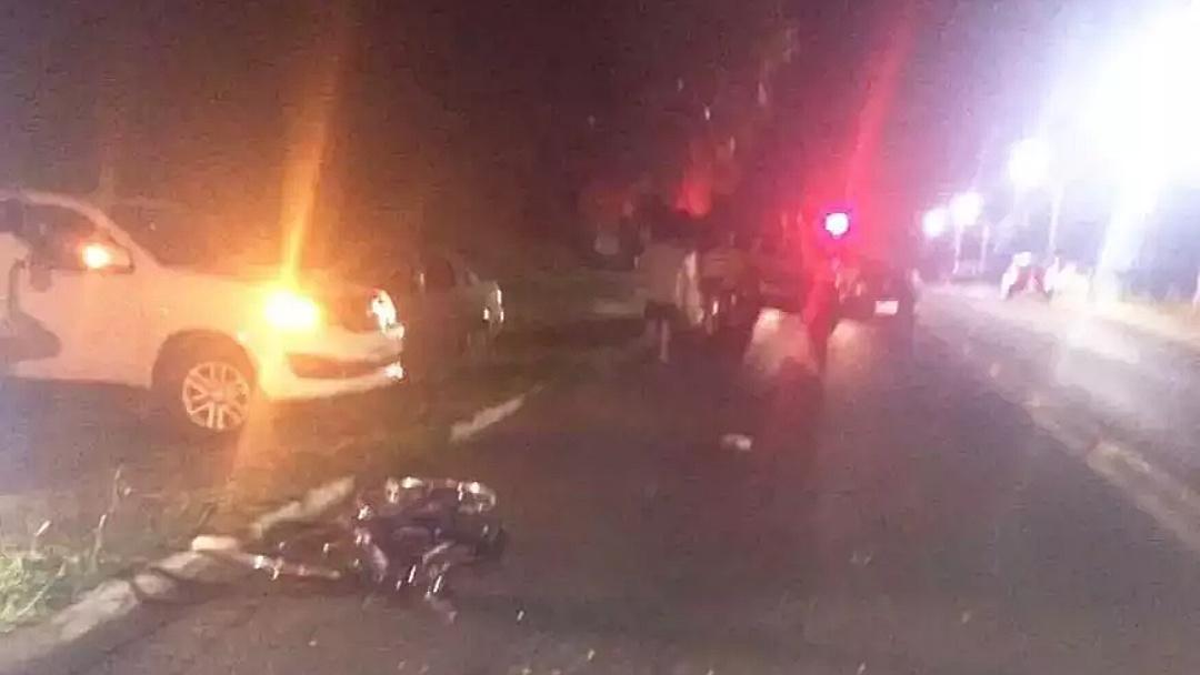 Ciclista morre após ser atropelado por caminhão