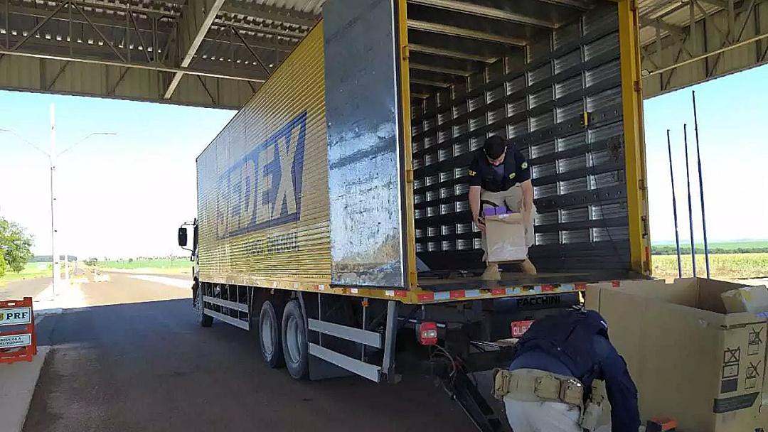 Em 12 dias, polícia apreende 3º caminhão dos Correios levando contrabando