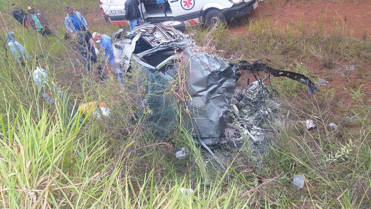 Condutor suspeito de embriaguez provoca grave acidente na BR-060 envolvendo três veículos