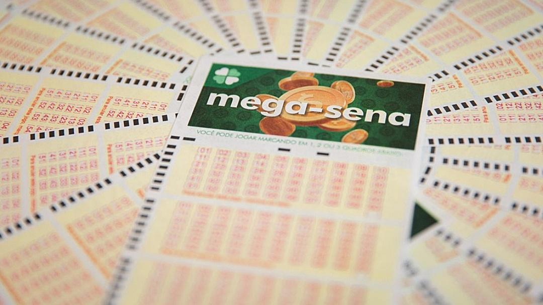 Sorteio de hoje da Mega-Sena pode pagar prêmio de R$ 20 mi