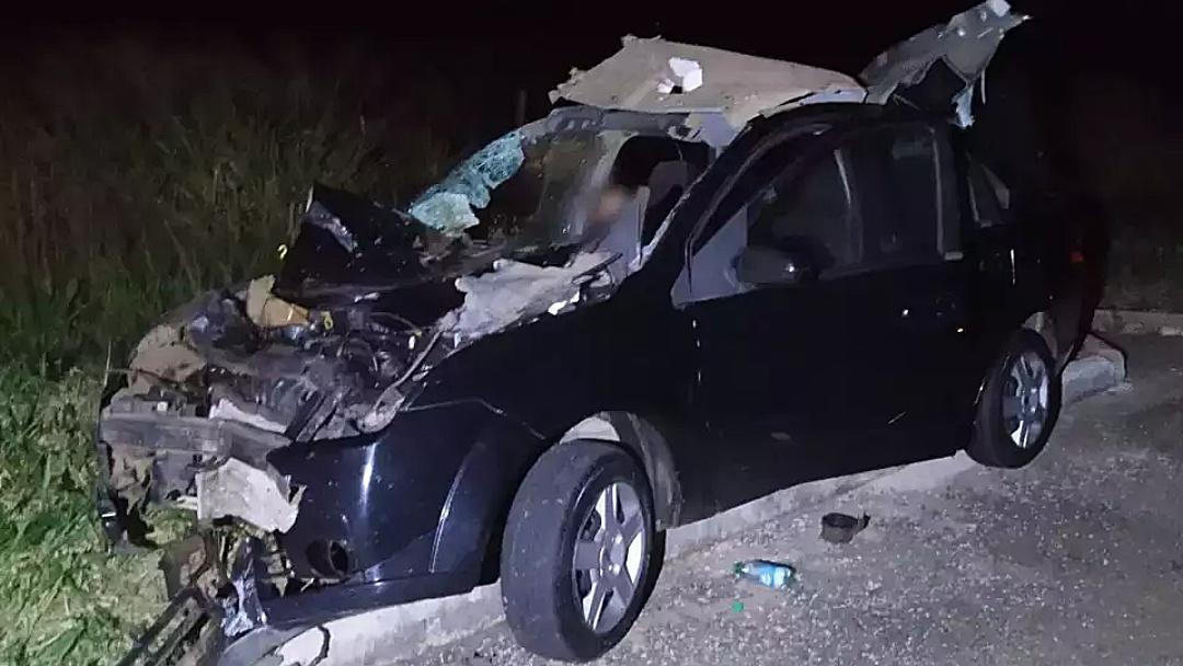 Homem morre após carro bater em boi na BR-060