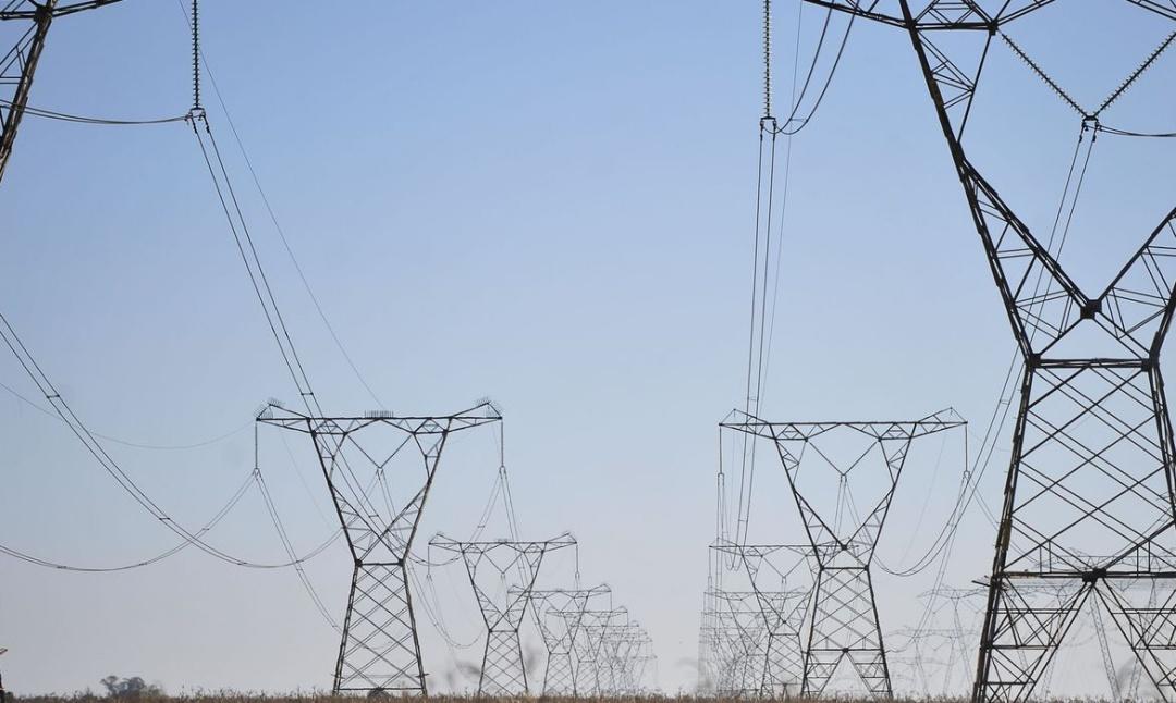 Senado aprova redução na tarifa de energia por 5 anos