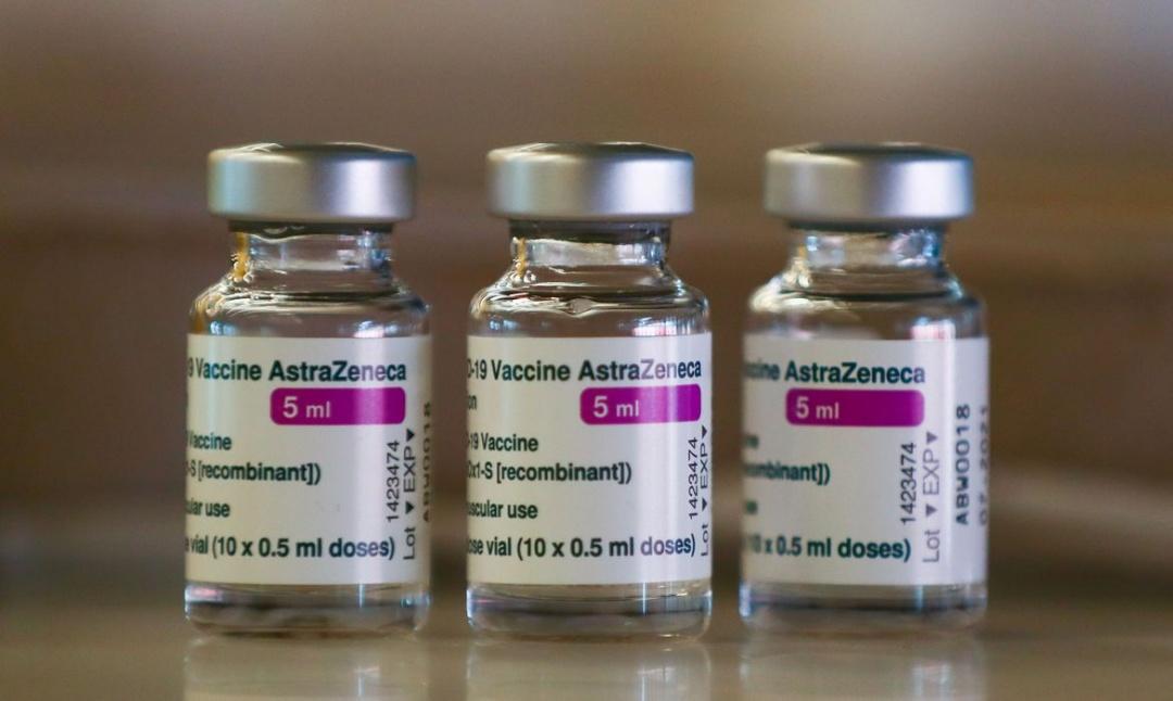 Fiocruz deve receber mais duas remessas de insumo para vacinas em maio