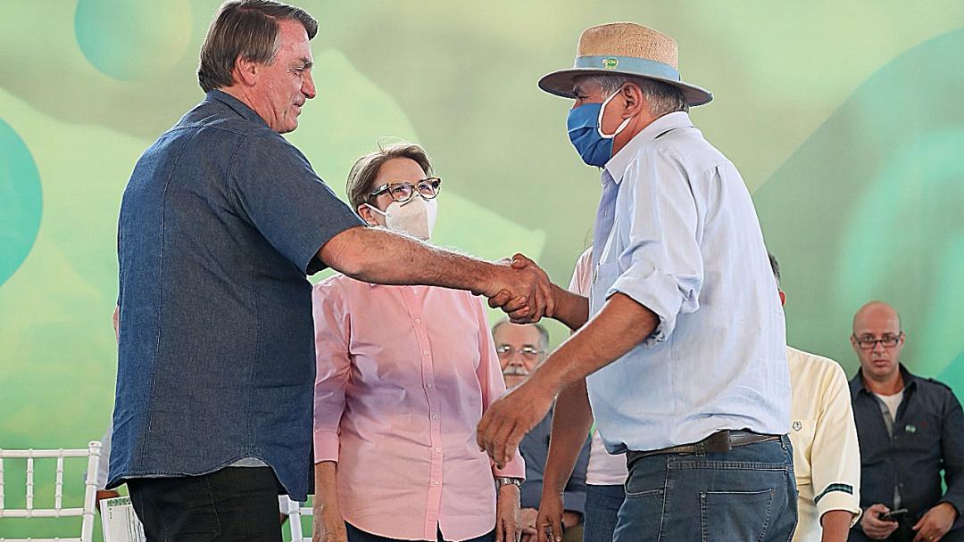 Assentado que recebeu titulo de Bolsonaro já é pequeno produtor com lavoura de 80 ha