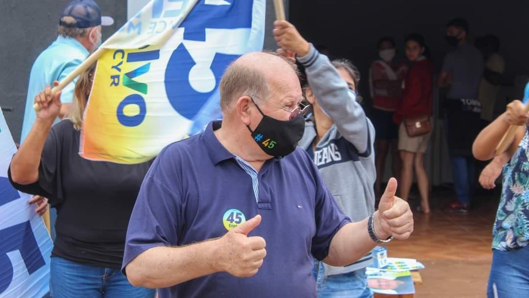 Candidatos retomam campanha com adesivagem de veículos e programa eleitoral no rádio