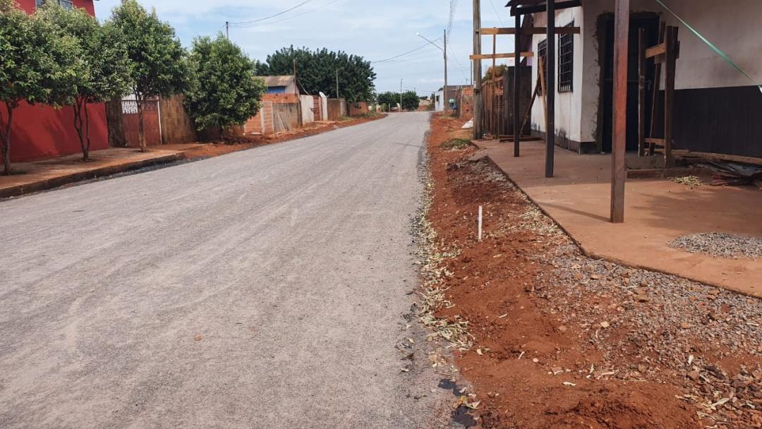 Prefeitura conclui asfalto no Cascatinha e licita pavimentação na Vila Olenka