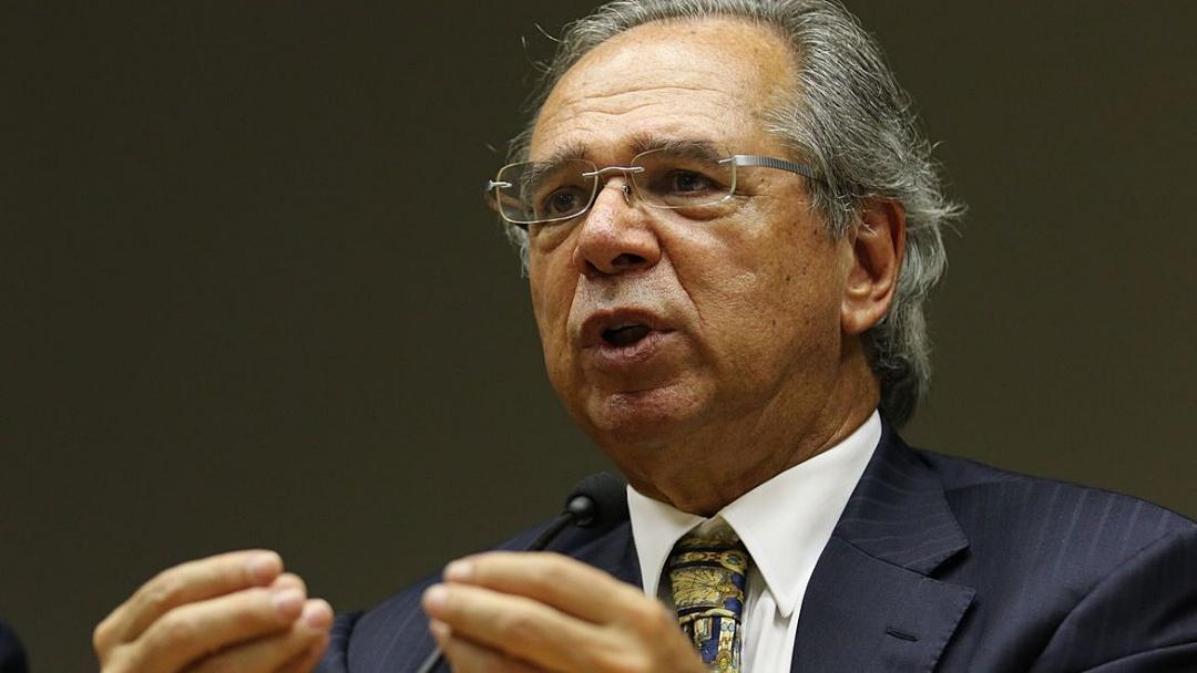 Guedes diz que governo renovará auxílio emergencial 'por 2 ou 3 meses'