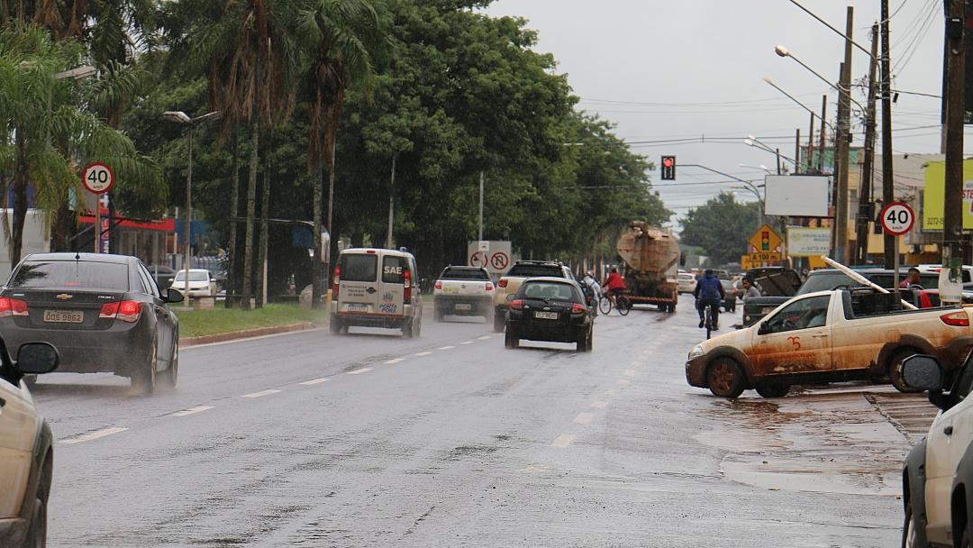 Chuva põe fim a estiagem que durou mais de 40 dias em Sidrolândia