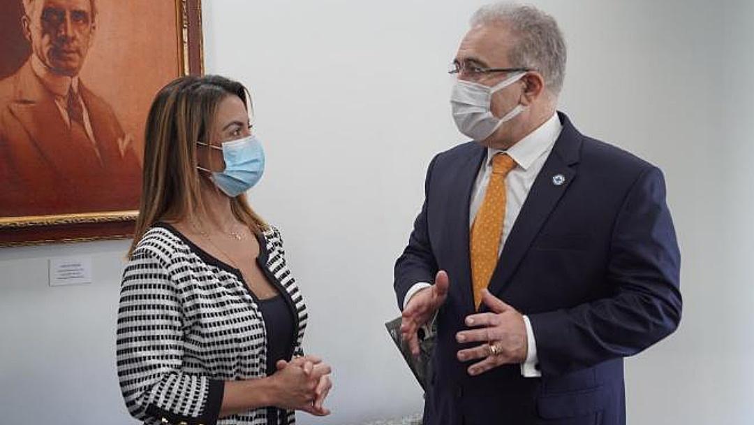 Ministro se compromete com senadores a enviar doses extras de vacinas contra Covid