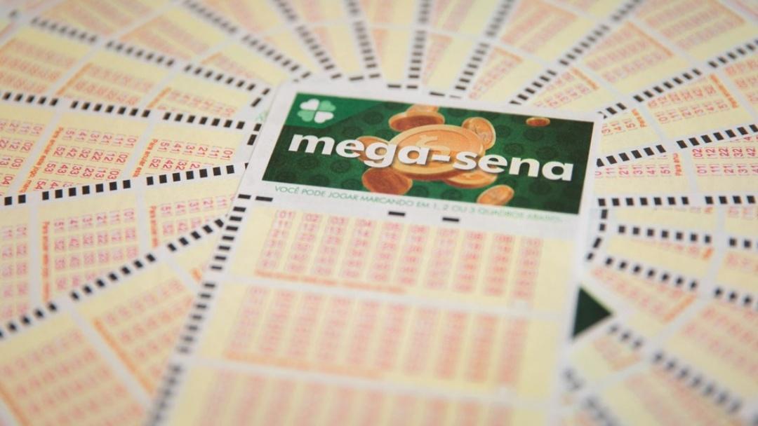 Sorteio da Mega-Sena pode pagar prêmio de R$ 42 milhões