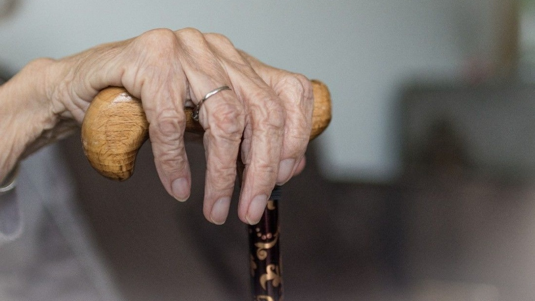 Isolamento aumentou número de denúncias de violência contra pessoas idosas