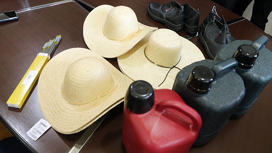 Prefeita entrega kit de produção para agricultores de 5 aldeias