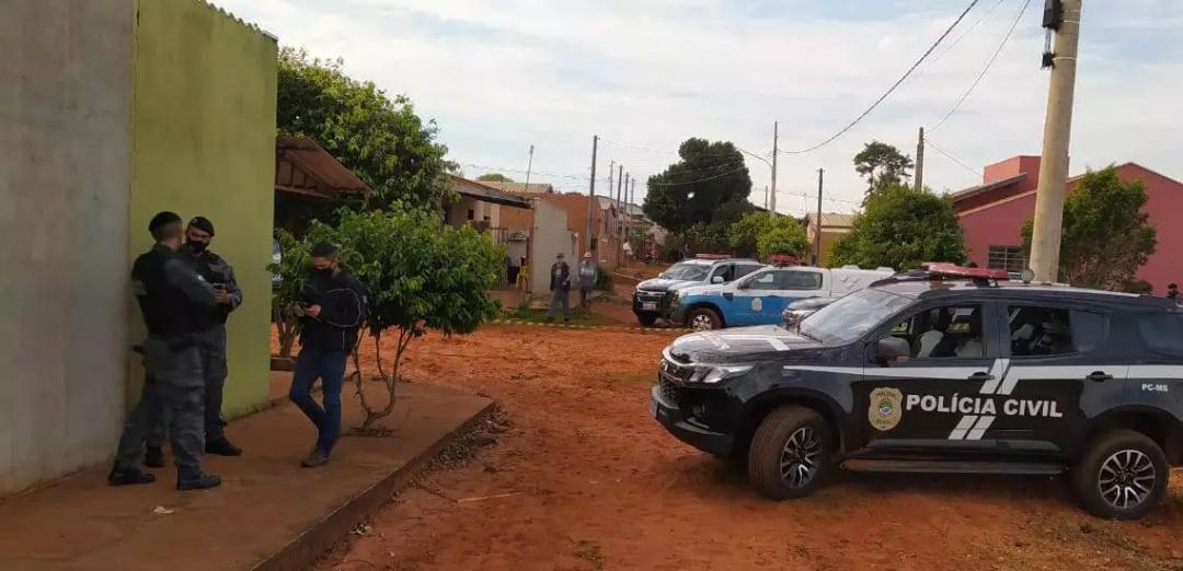 Suspeito saca arma para policiais e é morto em operação contra o tráfico