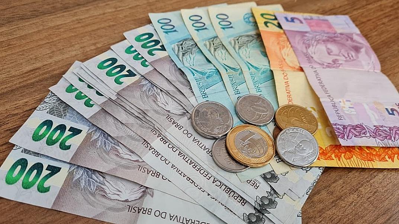 'Feirão' da Serasa renegocia dívidas por até R$ 100