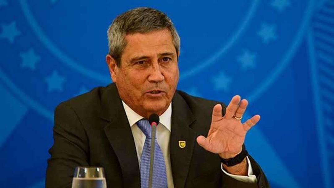 Ministro da Defesa faz ameaça e afirma que eleições só ocorrerão com voto impresso