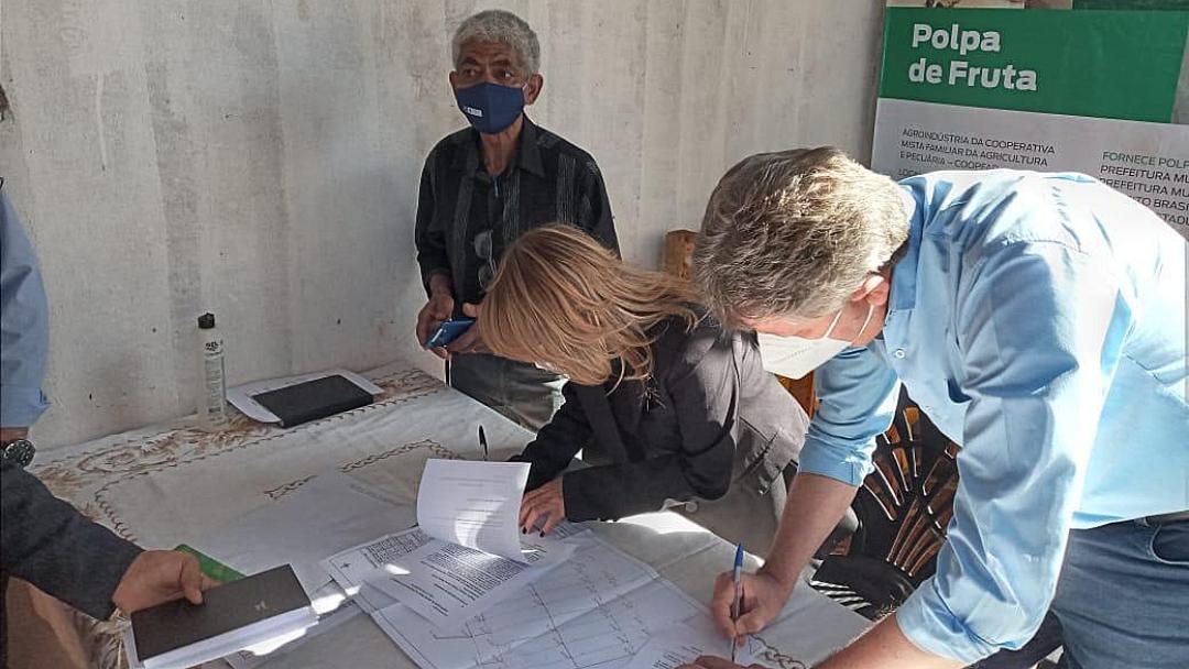 Com apoio da Prefeitura, Semagro repassa R$ 40 mil para instalar envazadora de polpa em cooperativa do Jiboia